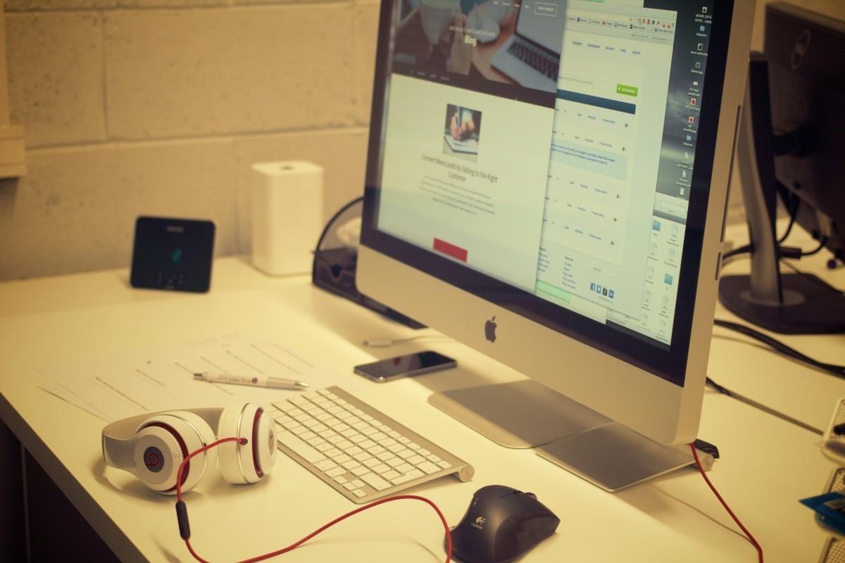 苹果电脑.jpg