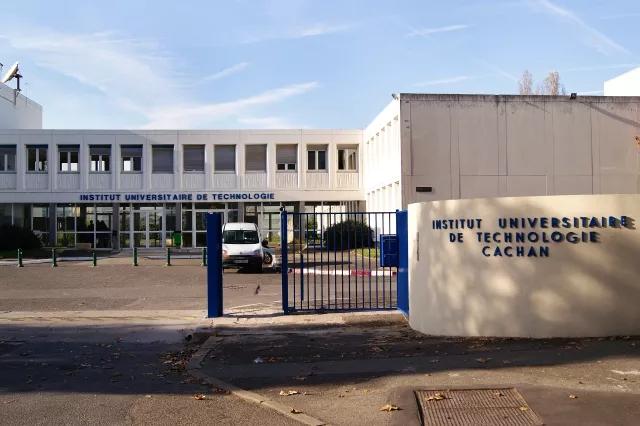 巴黎第十一大学_wps图片.jpg