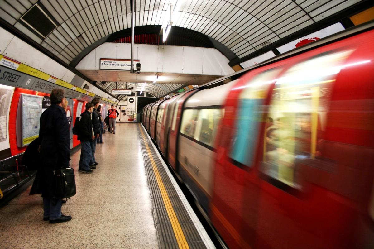 英国地铁.jpg