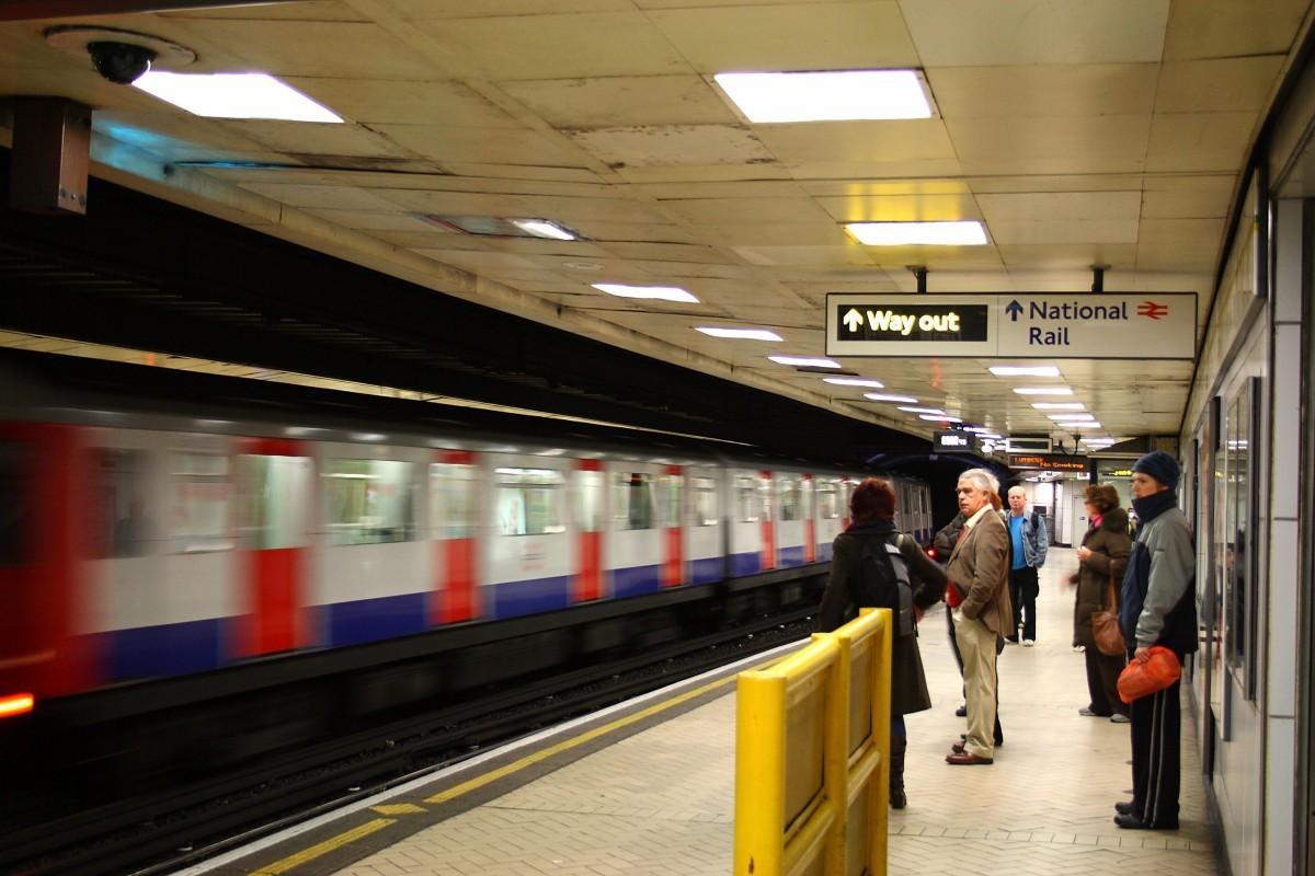 英国地铁2.jpg