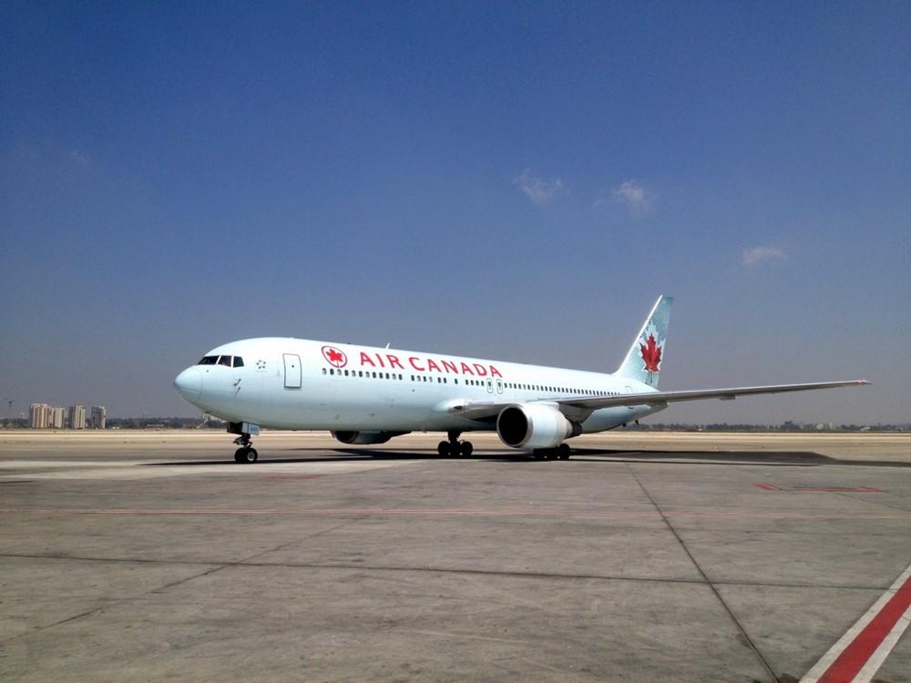加拿大飞机.jpg