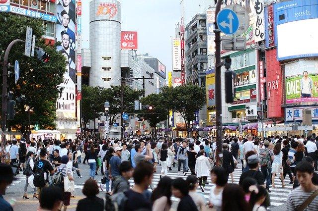 日本东京 马路人群.jpg