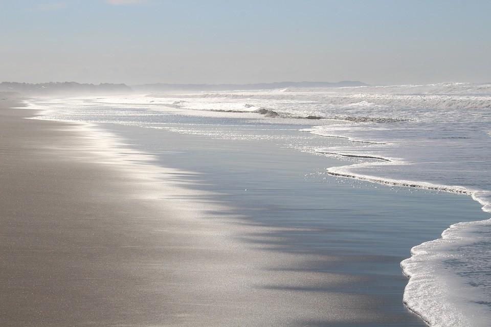 新西兰海滩.jpg