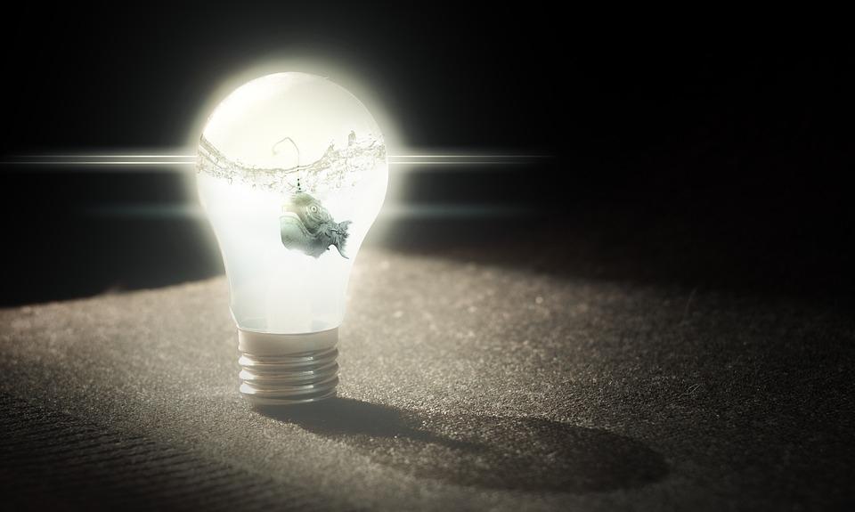 灯泡 创造.jpg