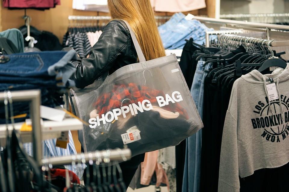 卖衣服.jpg