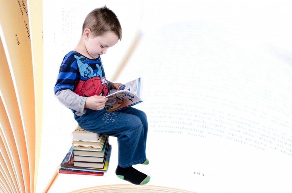 小学生读书.jpg